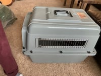 White and gray pet carrier Castle Rock, 80104