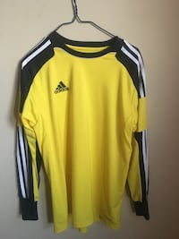 Yellow and black adidas crew-neck shirt Ottawa, K1T