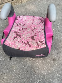 baby's pink and black floral car seat Steinbach, R5G 0X6