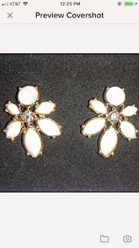 Floral cluster stud earrings  Elizabethtown, 42701