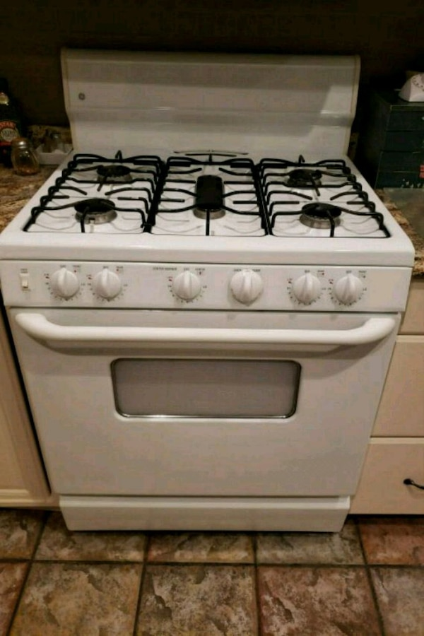 Used White And Black 5 Burner Gas Range Oven For Sale In Encinitas Letgo