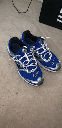 Nike shox mens running shoes size 10.5 Milton, L9T 0Z8