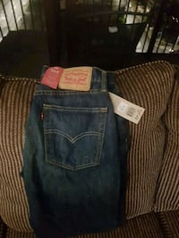 Brand new 514 Red Label Levi Stratus jeans Windsor