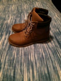 "Womens or girls"" boots size 10 Surrey, V3R 1Y1"