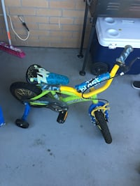 2 Toddler's bikes with training wheels Toronto, M9V 4A4