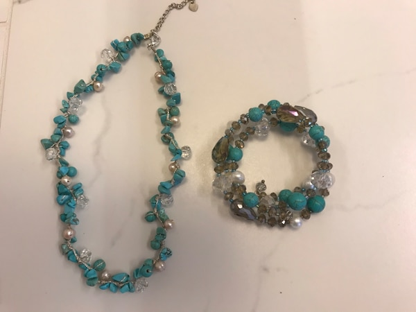 Turquoise and bead necklace and bracelet set