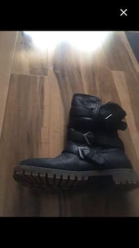ROXY winter boots CALGARY