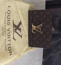 Brown louis vuitton leather crossbody purse Edmonton, T5P 3N7