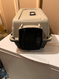 Medium  pet carrier Sherwood Park, T8H