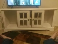 white wooden TV stand Baton Rouge, 70809