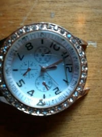 round silver-colored analog watch with link bracelet Edmonton, T5K 1W6