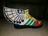 Adidas Jeremy Scott X Wings Size 8 used White,Gree Washington