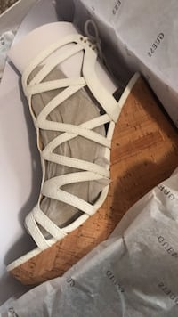 Guess Wedges size 9 South Amboy, 08879