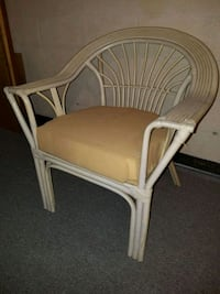 Rattan arm chair  58 mi