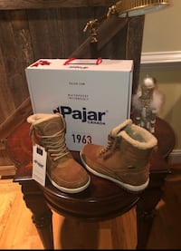 Pajar new winter boots Olney