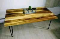 BELLE GRANDE TABLE DE SALON EN BOIS D'ACACIA  Montreal, H8R 1N3