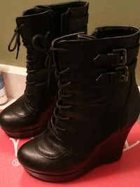 black leather lace up wedge boots  size 36 Cambridge, N1R