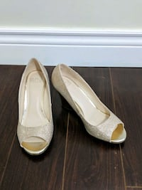 Gold wedge heels, size 8 Toronto, M4P 1Y5