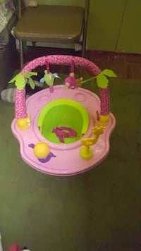 pink and green activity saucer Redlands, 92374