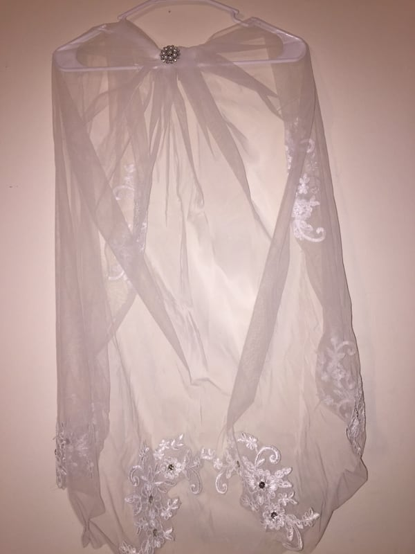 1 Tier White Wedding Floral Bridal veil elbow With Veil with Comb 811df22b-35f7-4644-a5d6-d730eaa0a0c1