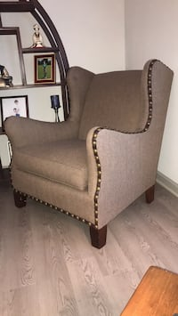 Upholstered chair w/nailhead trim Simpsonville, 29680