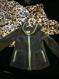 Size 4t old navy sweater Grand Rapids, 49504