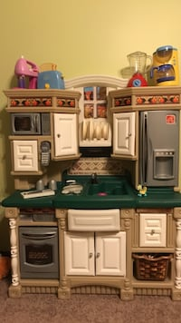 brown and green kitchen playset
