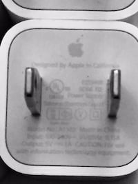 Apple cell phone charger - mint condition