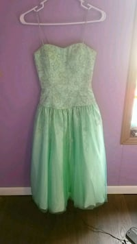 Sea foam green/turquoise dress. Size:6 Bourbonnais, 60914