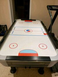 Like brand new air hockey table  Mississauga, L5M 8A9
