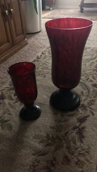 two red and black glass vases San Antonio, 78245
