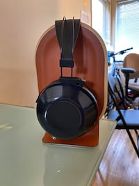"""MrSpeakers Ether C Flow 1.1 with 1/4"""" VIVO cable Vancouver, V5Z"""