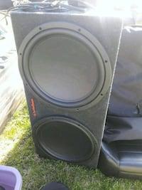2 15inch subs in box with amp Richland, 99352