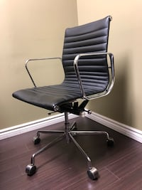 Eames style office chair Genuine leather  Vaughan, L4L 5Y9