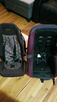 Two car seats, in good conditions  $25 for both 1371 mi