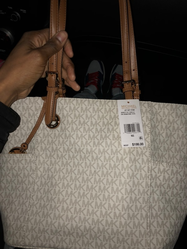 fe8afbee620a Used Michael Kors Jet Set Purse for sale in Dallas - letgo