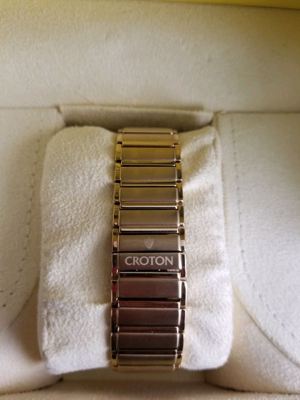 Gold Croton Men's Watch 19a3438b-2cf9-4579-969a-37388febb04c