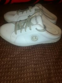 19918957194399 Used pair of white Airwalk closed-toe slip-on shoes for sale in Lancaster -  letgo