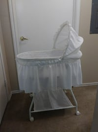 Baby carriage or bassinet. San Antonio, 78218