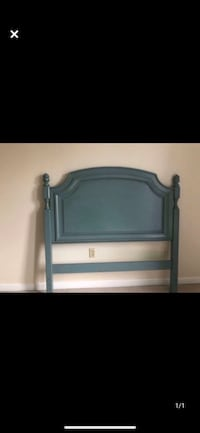 Pottery barn head board full bed