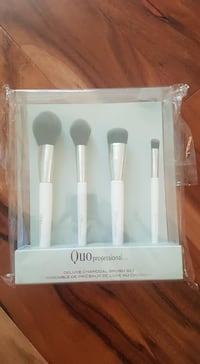 Brand new Quo Deluxe charcoal makeup brush set