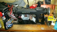 Singer industrial sewing machine  Hamilton, L0R 2H5