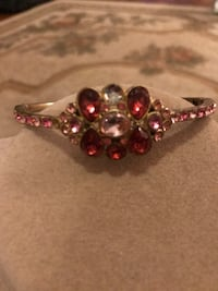 Gorgeous!!!Victorian Bracelet with white & pink crystal stones