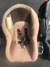 baby's gray and black car seat carrier 奥尔巴尼, 12205