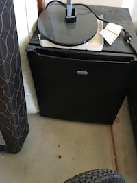 black and gray compact refrigerator Shafter, 93314