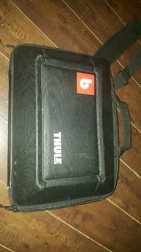 "15"" MacBook Pro Thule Case Winnipeg"