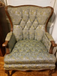 Chair great condition Little Rock, 72205