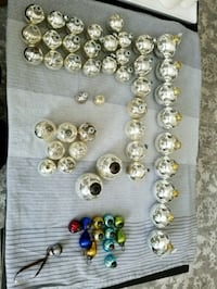 Lot of vintage Christmas balls St. Catharines, L2P 3G1