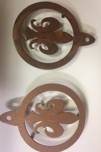 Two Saints hot plates for you thanksgiving table  Metairie, 70005