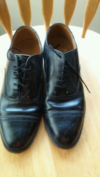 pair of black leather dress shoes Los Angeles, 91606
